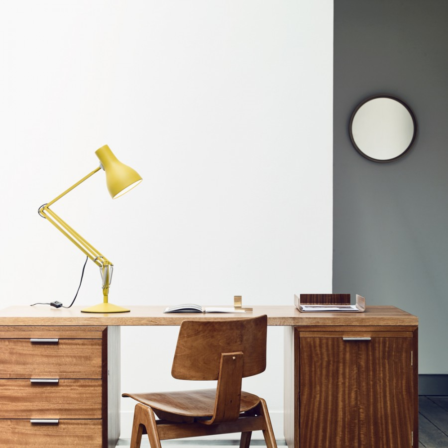 Lampada da tavolo TYPE 75 DESK LAMP design MARGARET HOWELL  giallo catalogo
