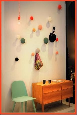il gancio appendiabito chiamato dots di muuto. Black Bedroom Furniture Sets. Home Design Ideas