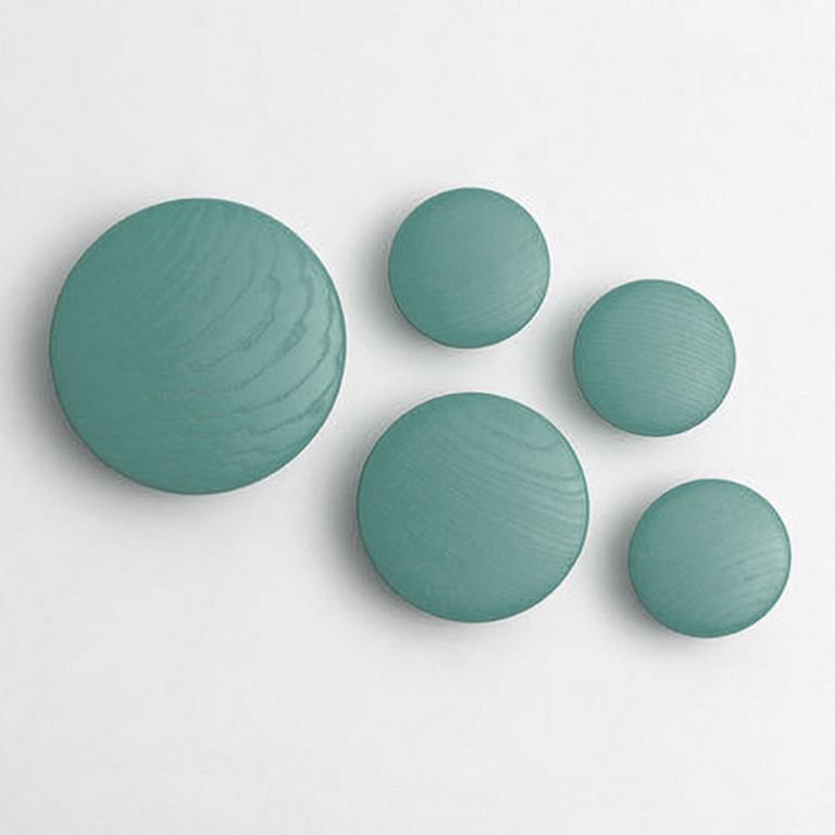 Pomelli Appendiabiti Colorati.The Dots Di Muuto In Tutte Le Forme E Colori Su Elementihome It