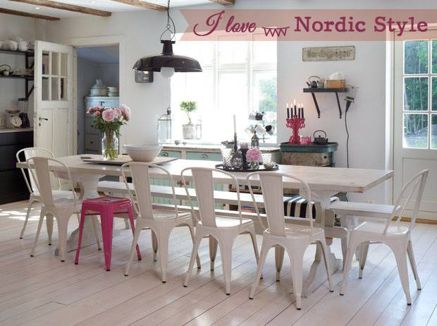 Sedia a di tolix in diverse varianti colore for Sedia design nordico